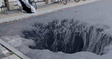 Create Procedural Craters Fast (Blender Tutorial)